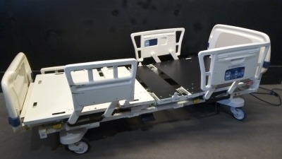 STRYKER EPIC 2030 HOSPITAL BED WITH HEAD AND FOOT BOARDS (IBED AWARENESS, BED EXIT, SCALE)(SQUARE RAILS)